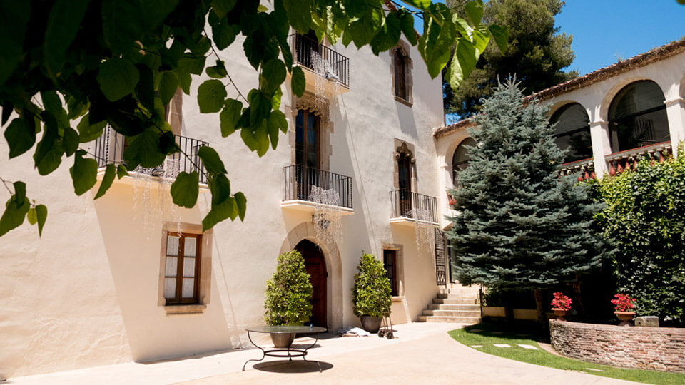 the Catalan masia (Country home)