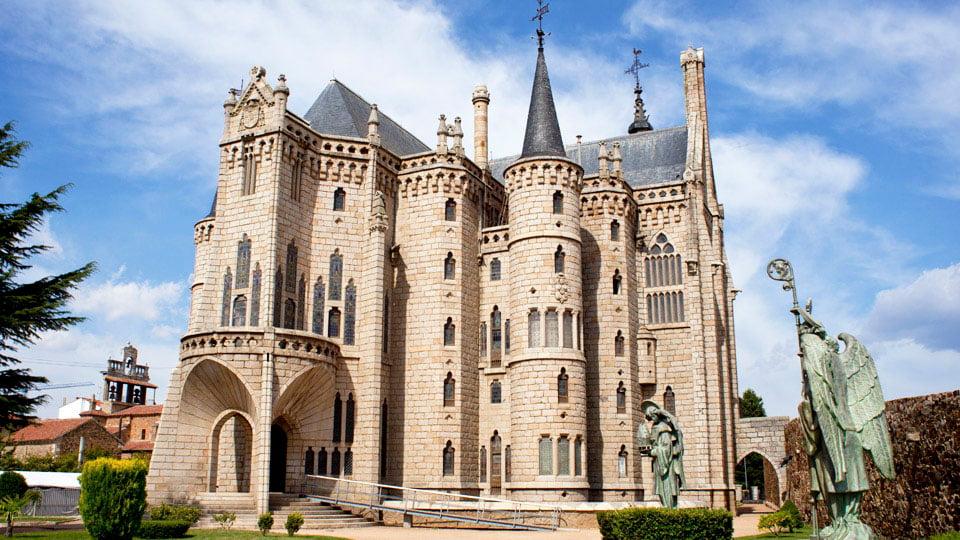 Episcopal palace modernisme edifice - Gaudi Astorga