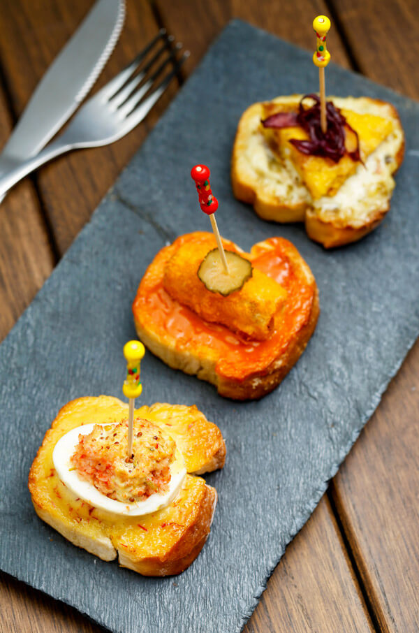The local gastronomy and pintxos!