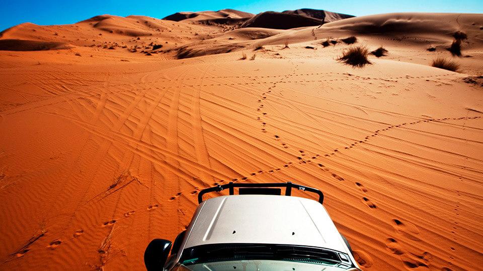 4x4 rides through the dunes of the Sahara desert